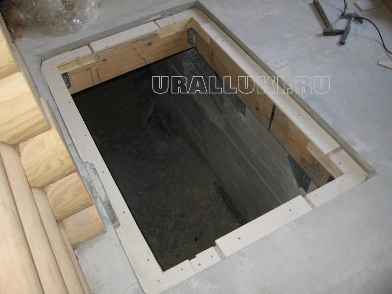 Как в деревянном полу сделать люк